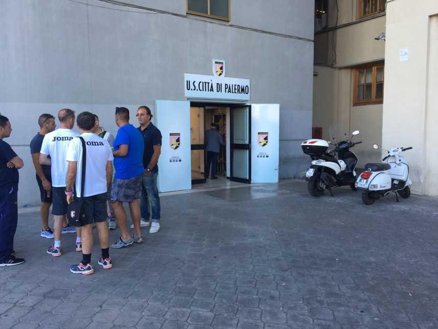 Calcio: Palermo; club chiede al Coni stop a playoff