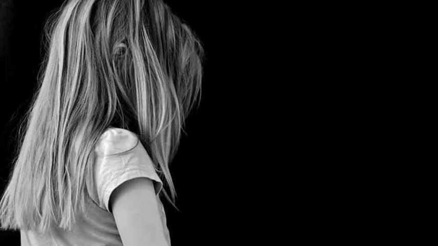 Dallas, brucia il viso alla figliastra di 5 anni: arrestata 20enne