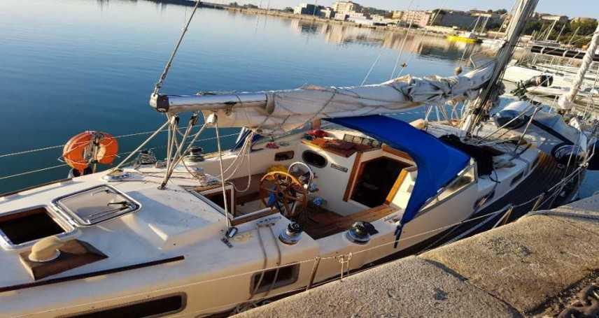 Migranti: barca a vela con 53 migranti costa ionica Crotone, interviene Gdf Arrestati due scafisti