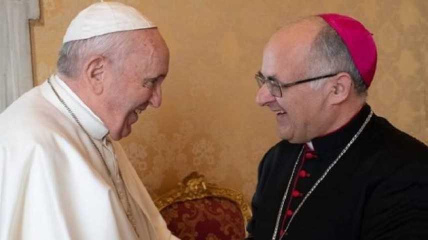 Papa Francesco: oggi a Camerino, striscioni, 'Santità le affidiamo futuro'
