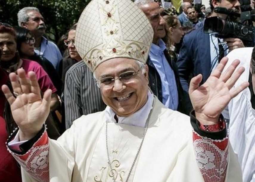 """Mons. Vincenzo Bertolone. """"Scuola rimandata a settembre"""""""