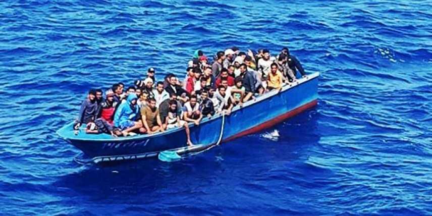 Migranti: la Maridive 601 attracca in Tunisia, finisce odissea