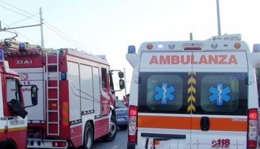 Crolla palazzina a Gorizia, si cercano tre persone sul posto i VVF