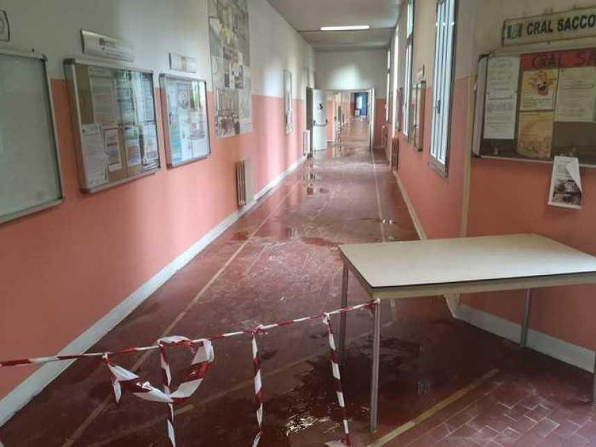 Maltempo: crollano controsoffitti in ospedale Sacco di Milano