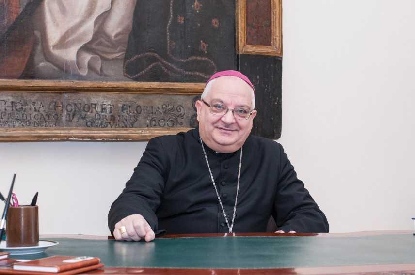 Bimba morta: vescovo a funerali, ti chiediamo perdono