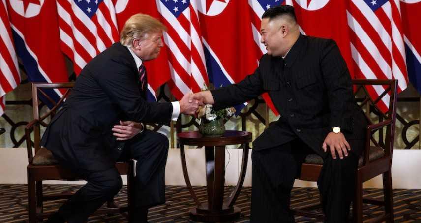 Coree: Trump atterrato alla Dmz per l'incontro con Kim