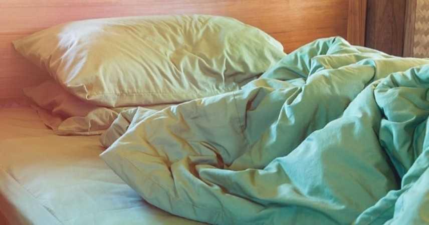 Dormire male da adulti potrebbe favorire l'Alzheimer
