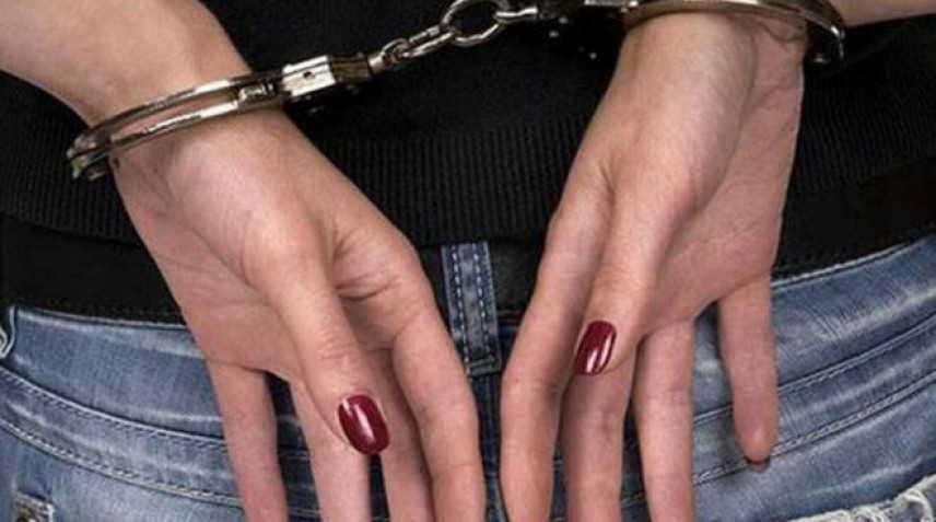 Spacciavano eroina davanti alle scuole, arrestate tre donne