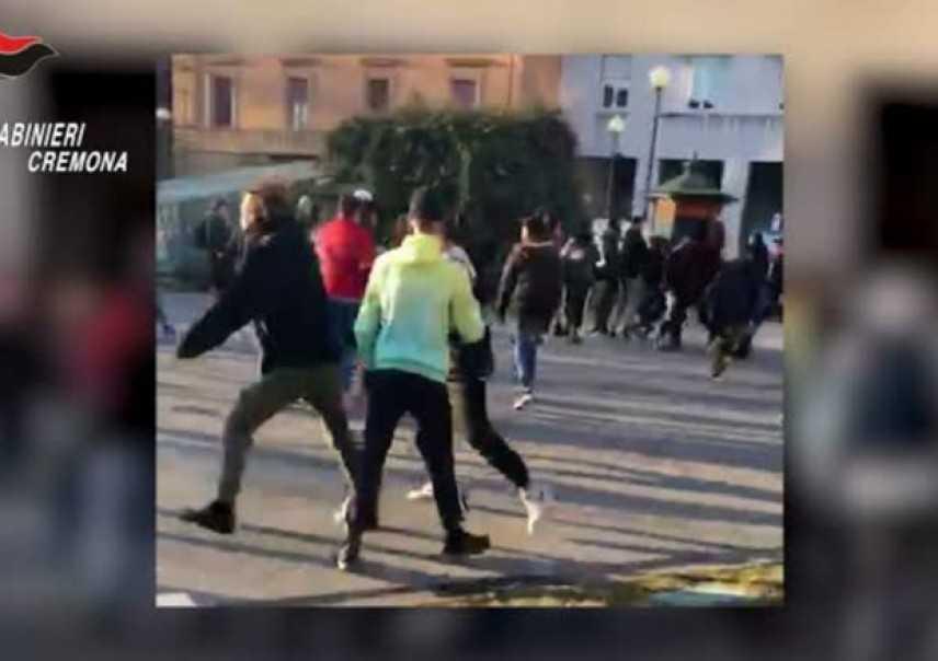 Cremona. Maxi-risse in strada via social, 7 arresti. Coinvolti anche minorenni