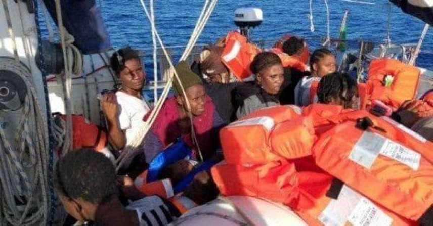 Migranti: medico salita a bordo della Alex