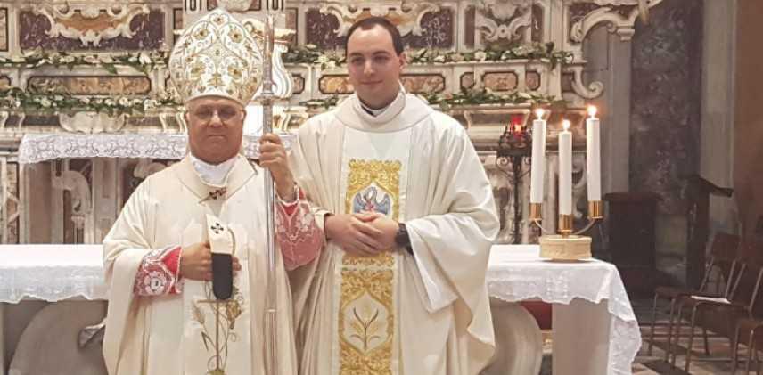 L'arcivescovo mons. Vincenzo Bertolone ha ordinato presbitero don Saverio Menniti