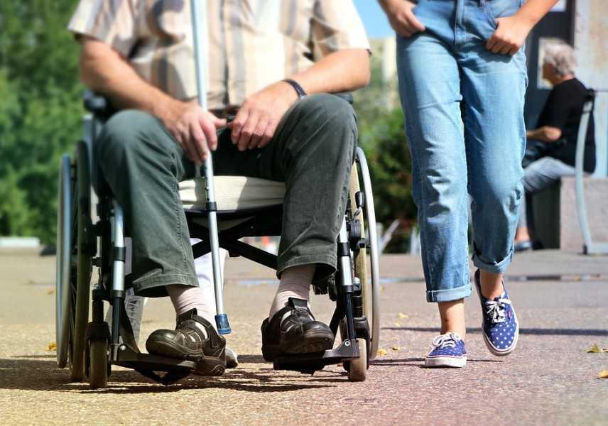 Come scegliere la giusta carrozzina per disabili