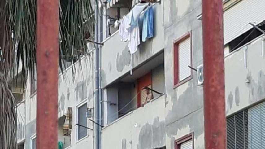 Pozzuoli (Na), barricato in casa con bombole gas, situazione pericolosa