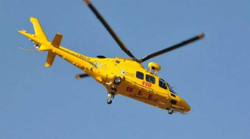 Operai investiti su A14, morto un 57enne. In due travolti da un'autocisterna a Vasto