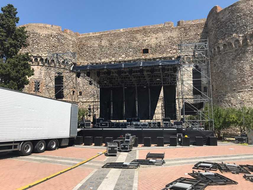 """""""Reggio Live Fest 2019"""": in piazza castello domani sera il concerto di Carl Brave"""