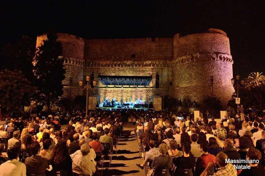 Al Reggio Live Fest 2019 domani sera il concerto di levante, unica tappa in Calabria