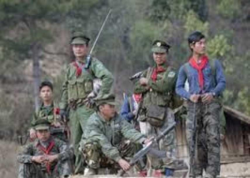 Scontri in Birmania, i ribelli uccidono ancora