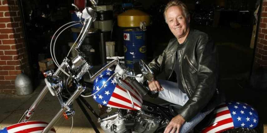 """Peter Fonda, protagonista del film """"Easy Rider"""", è morto"""