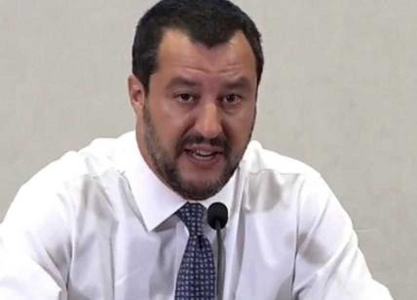 Estate: Spiagge sicure, Salvini 'orgoglioso del lavoro fatto'