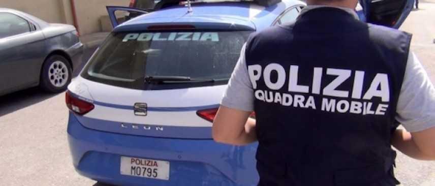 Milano, 31enne picchia la compagna: il figlio di 13 anni chiama la Polizia e lo fa arrestare
