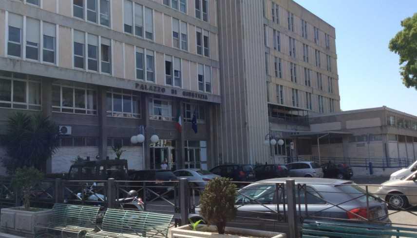 Incidenti lavoro: tre morti per crollo muro, in 4 davanti Gup
