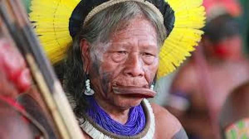 Nobel per la Pace 2020: proposto il nome del capo indigeno Raoni